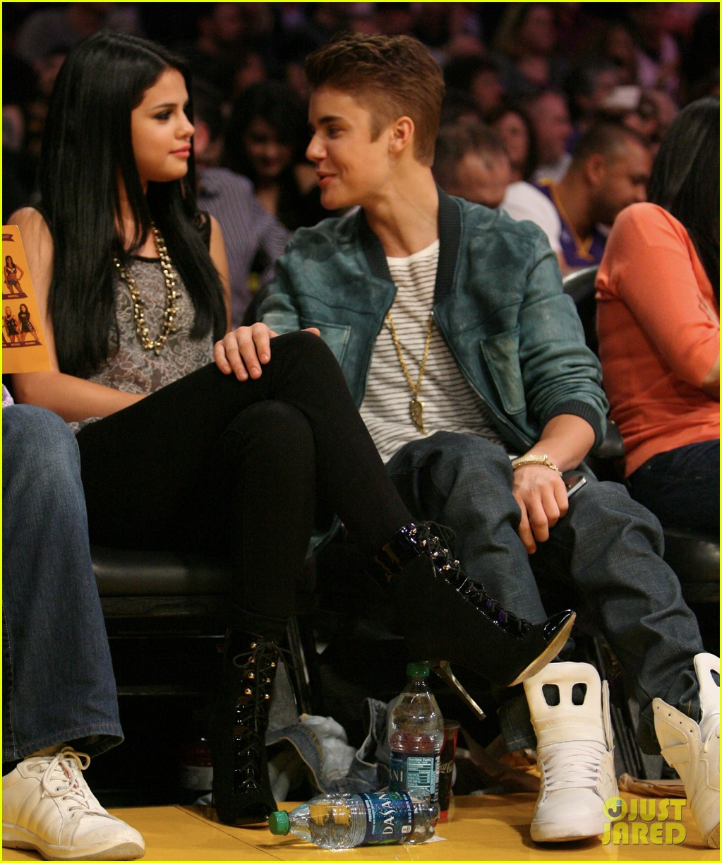 Selena gomez dating justin bieber games