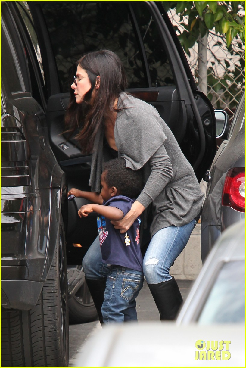 sandra bullock shopping trip with louis 05