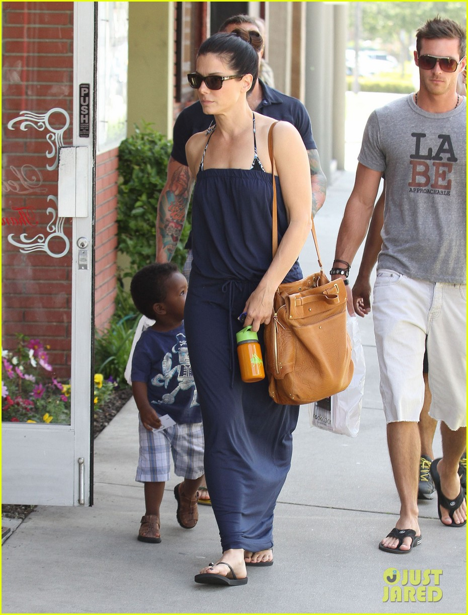 sandra bullock louis shopping 04