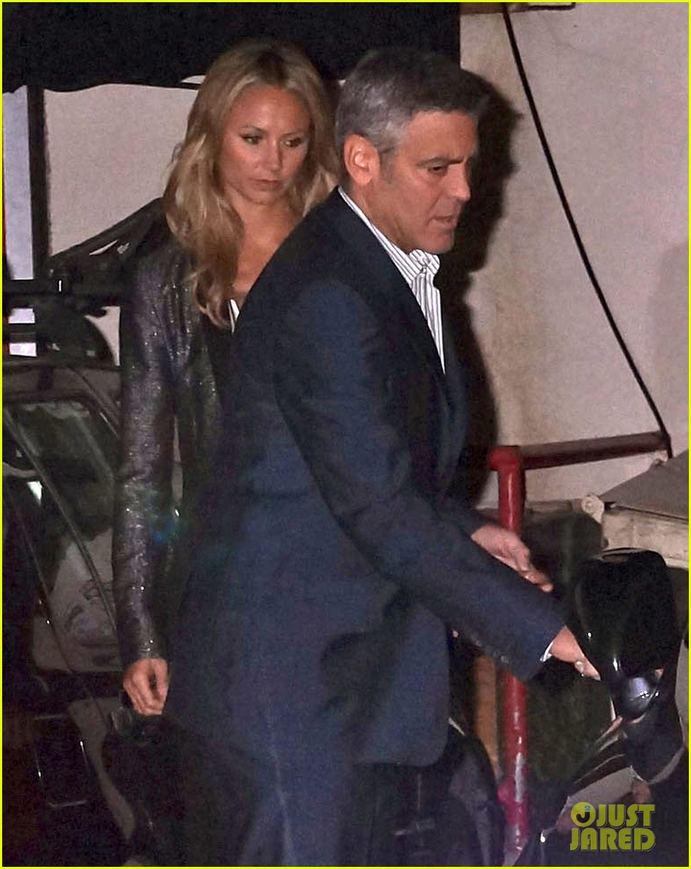 george clooney stacy keibler craigs bar grill date night 05