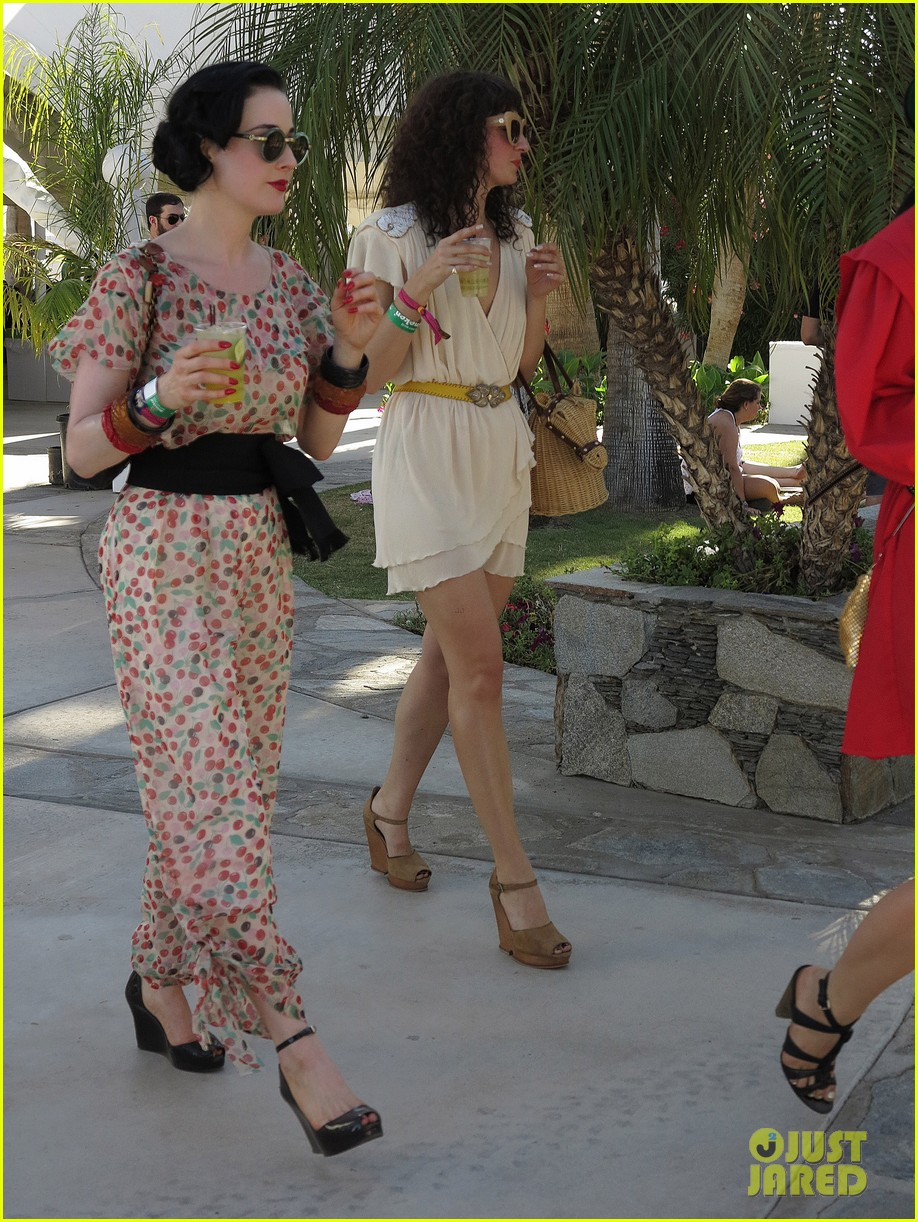 dita von teese coachella kiss 10