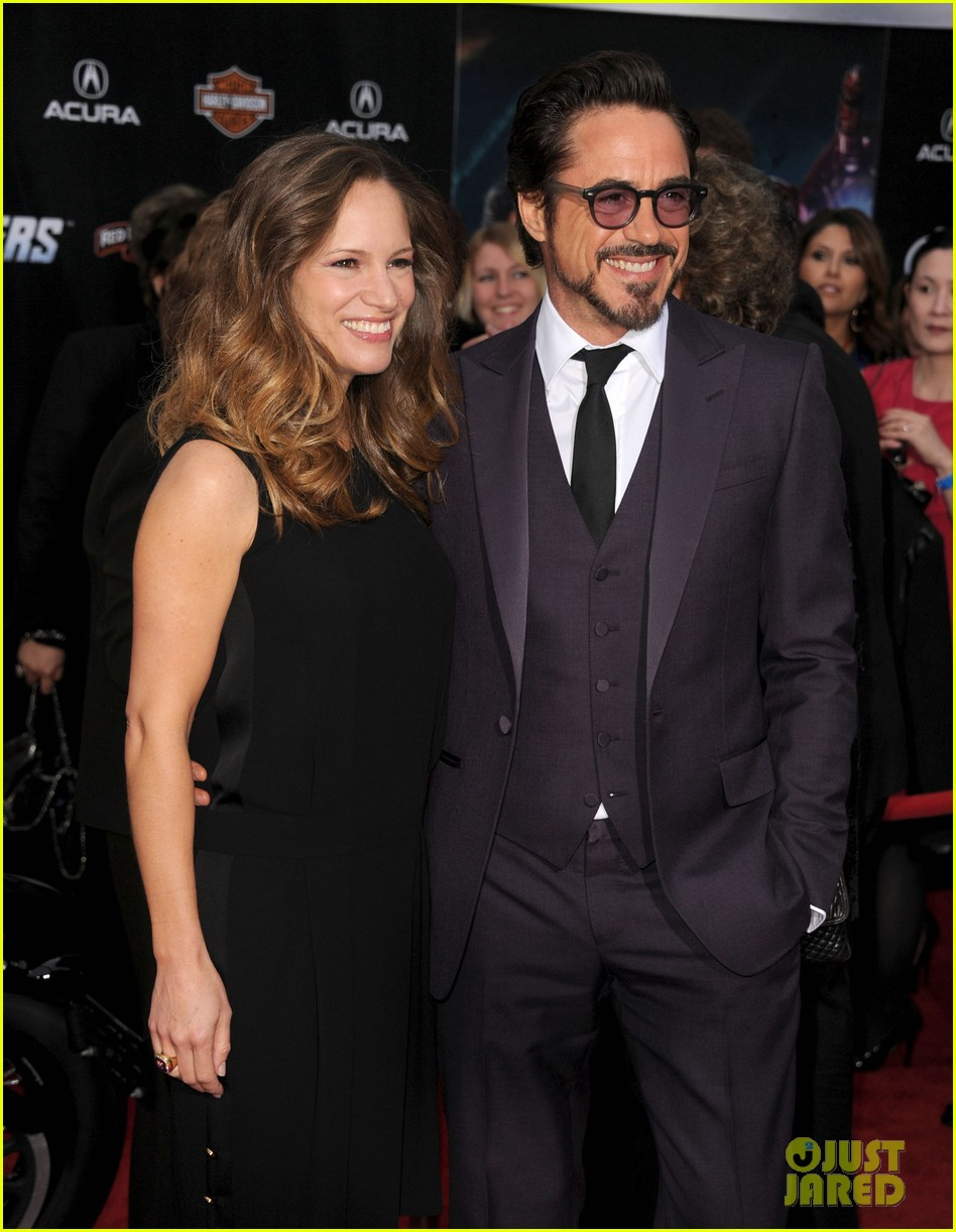 robert downey jr avengers premiere with wife susan 17