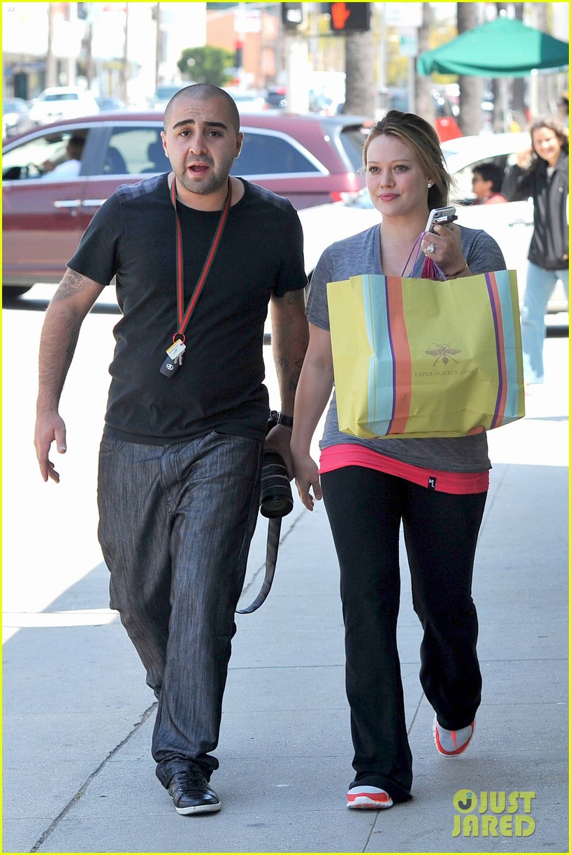 hilary duff running errands 08