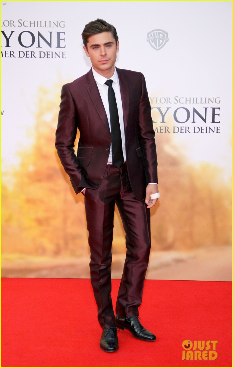zac efron taylor schilling lucky one germany premiere 11