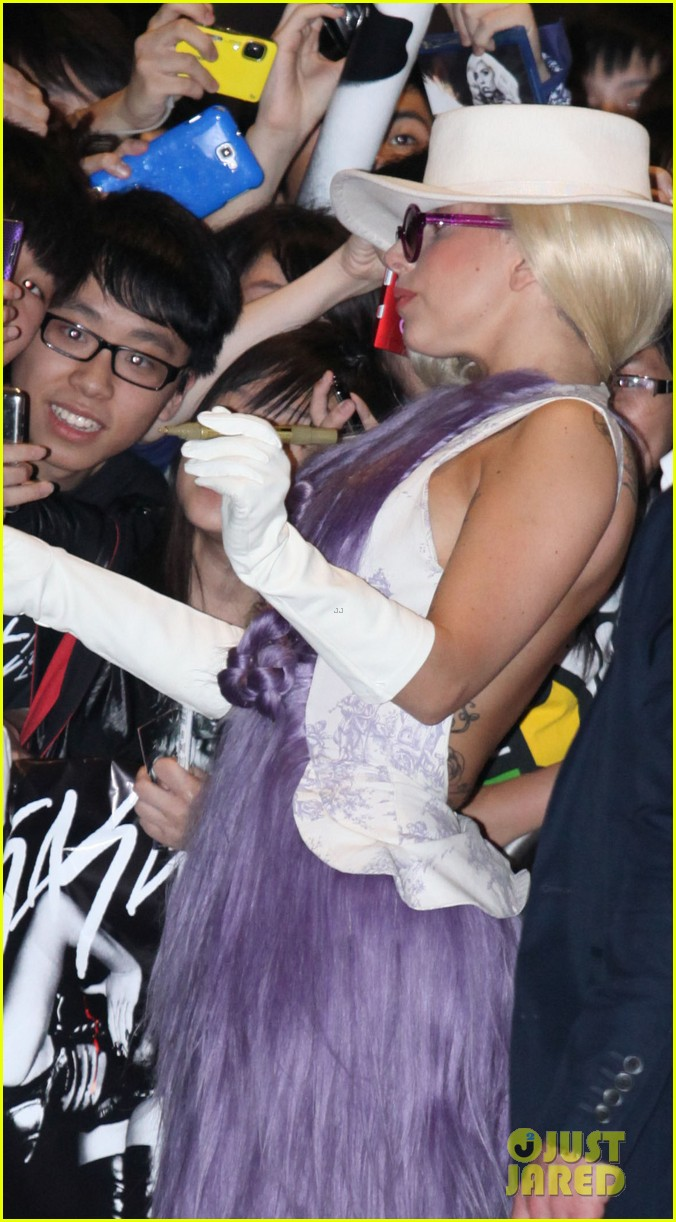 gaga purple dress 07