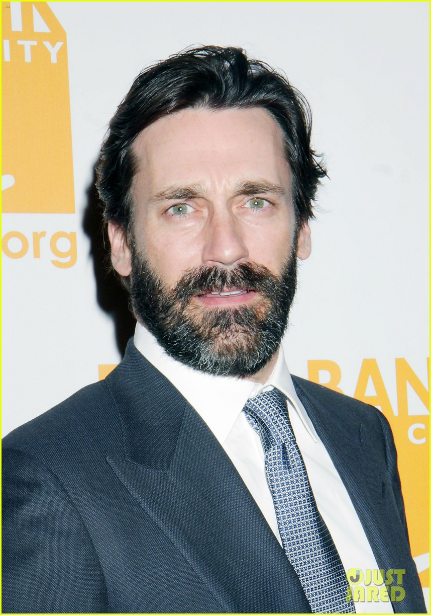 jon hamm scruffy beard can do awards 01