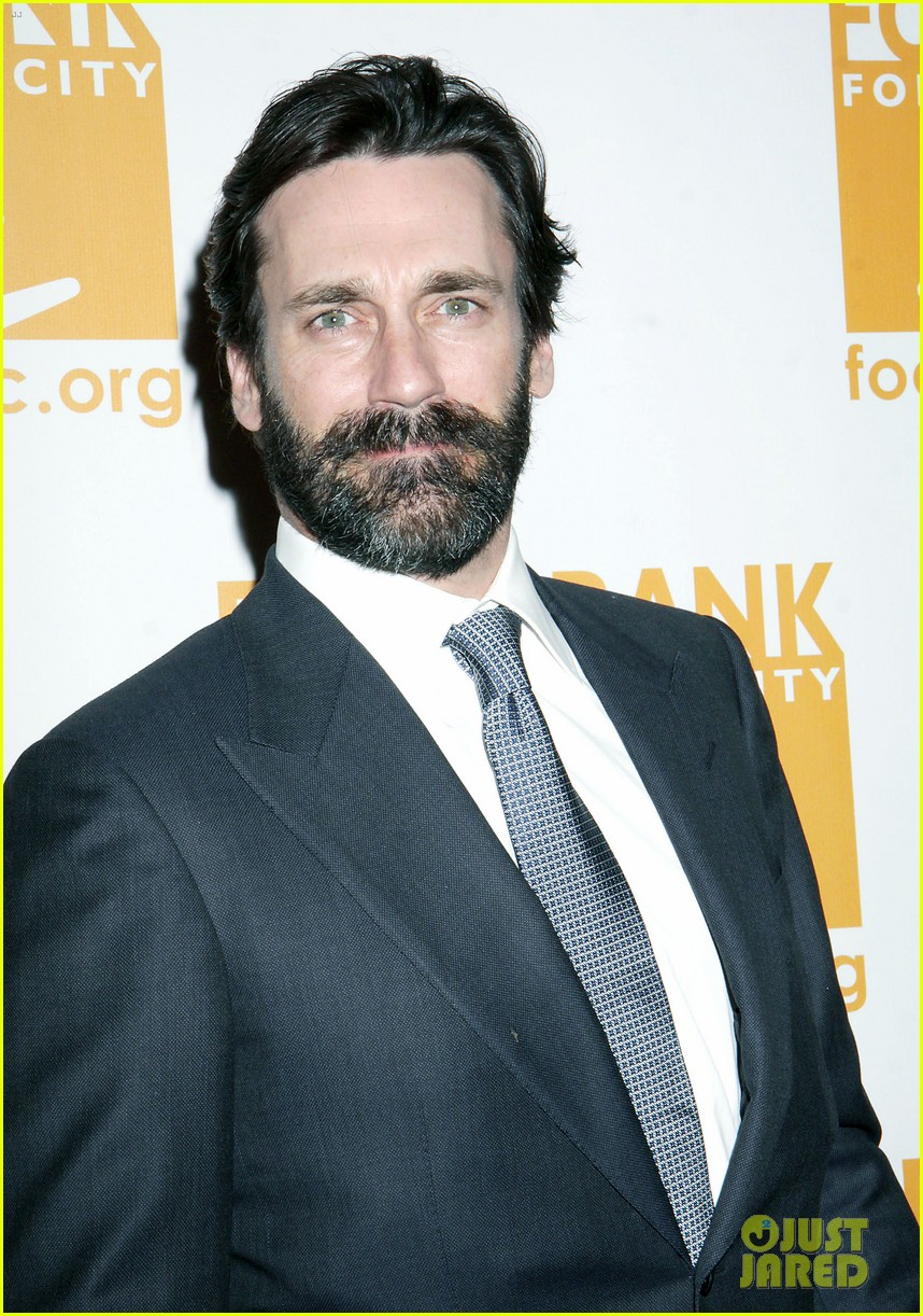 jon hamm scruffy beard can do awards 05