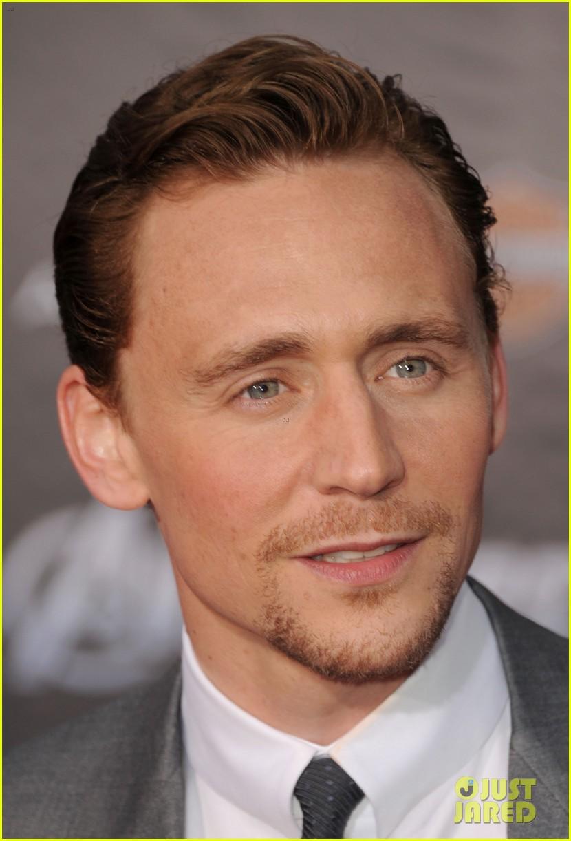 tom hiddleston cobie smulders avengers premiere 11