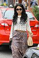 vanessa hudgens lunch with austin butler mom 23