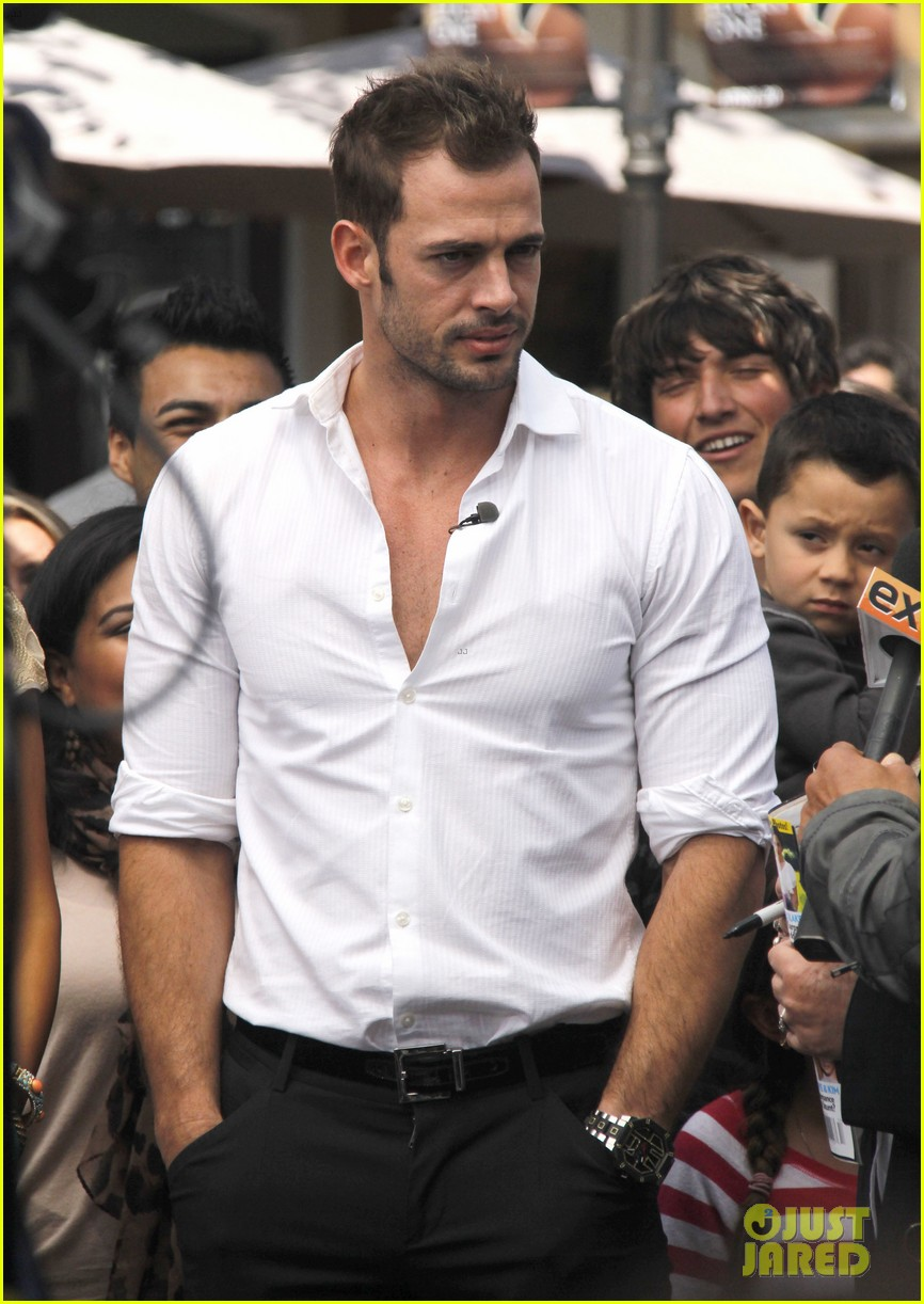 ashley judd william levy extra at the grove 062647796
