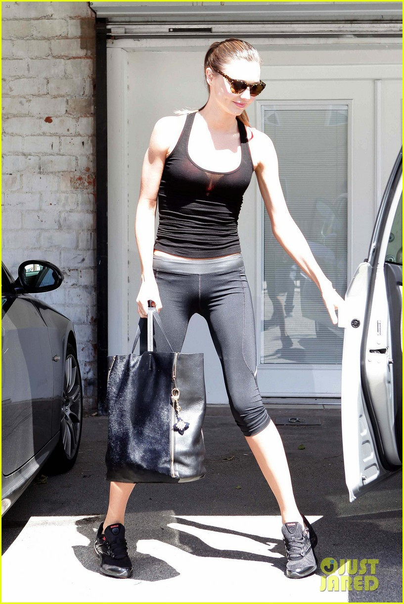 Full Sized Photo of miranda kerr orlando bloom gym 01 | Photo 2644488 ...