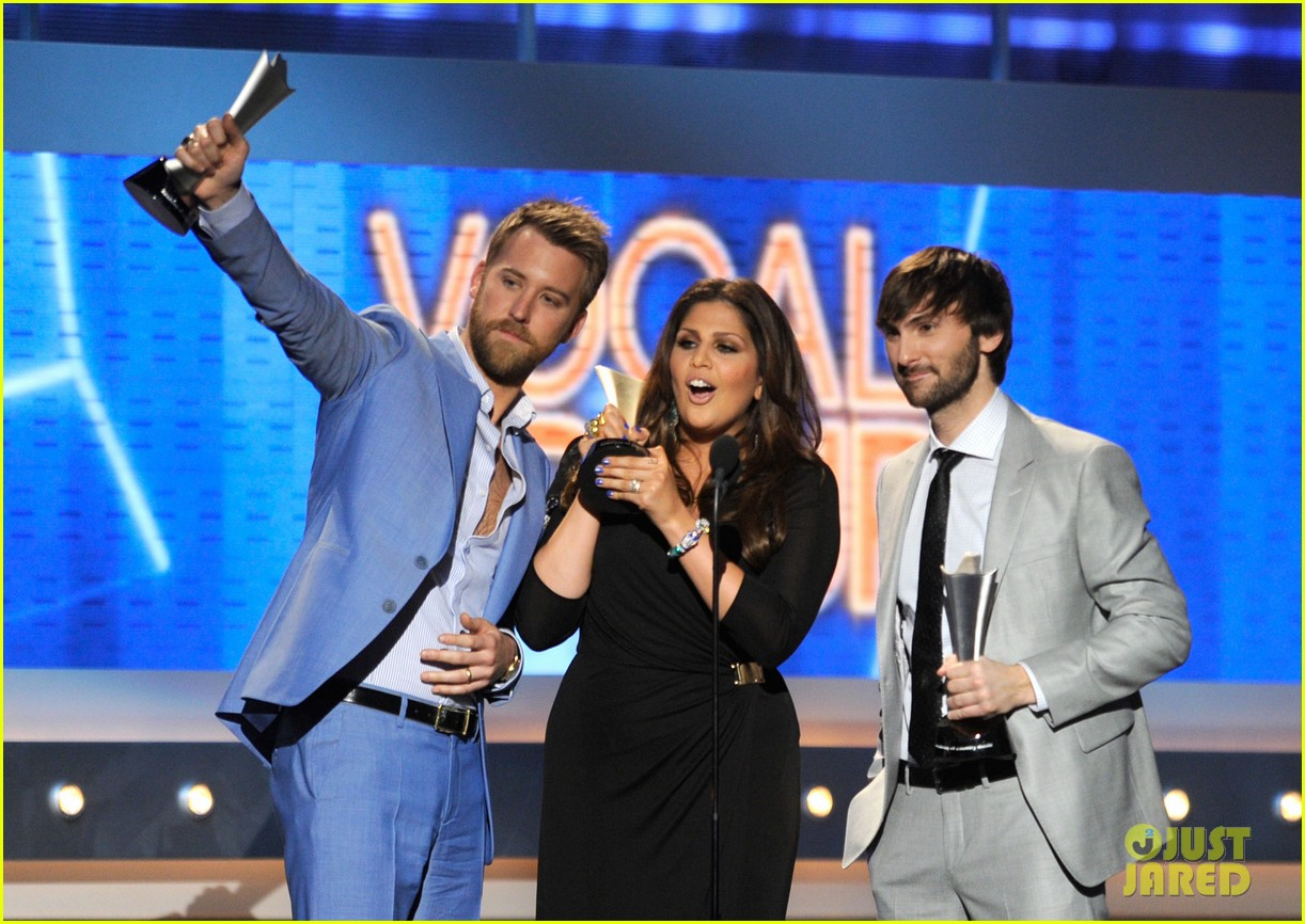 lady antebellum acm awards 01