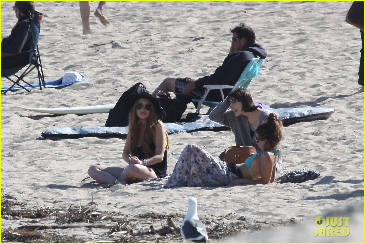 lindsay lohan beach back rub from aliana 14