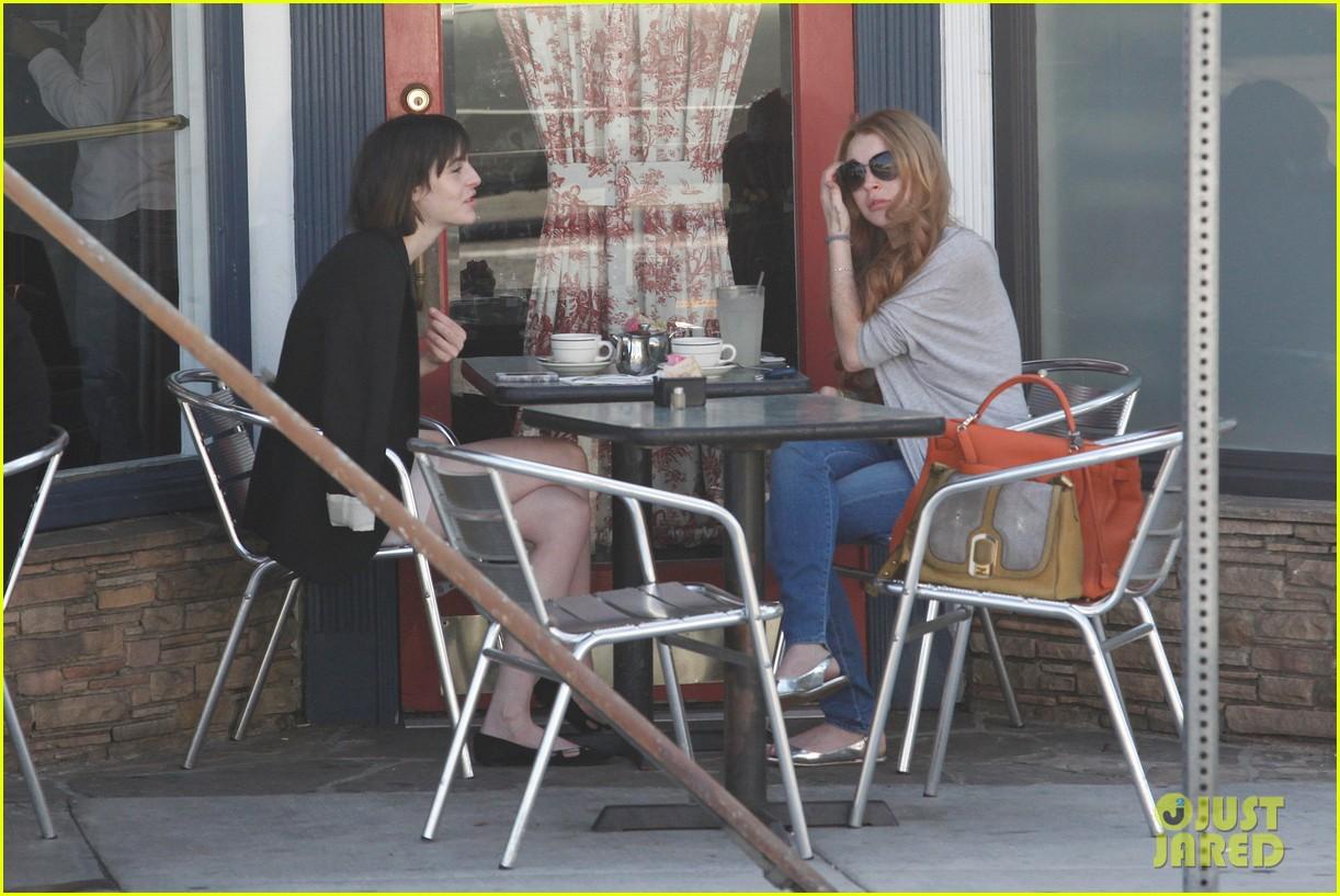 lindsay lohan la conversation cafe aliana 10