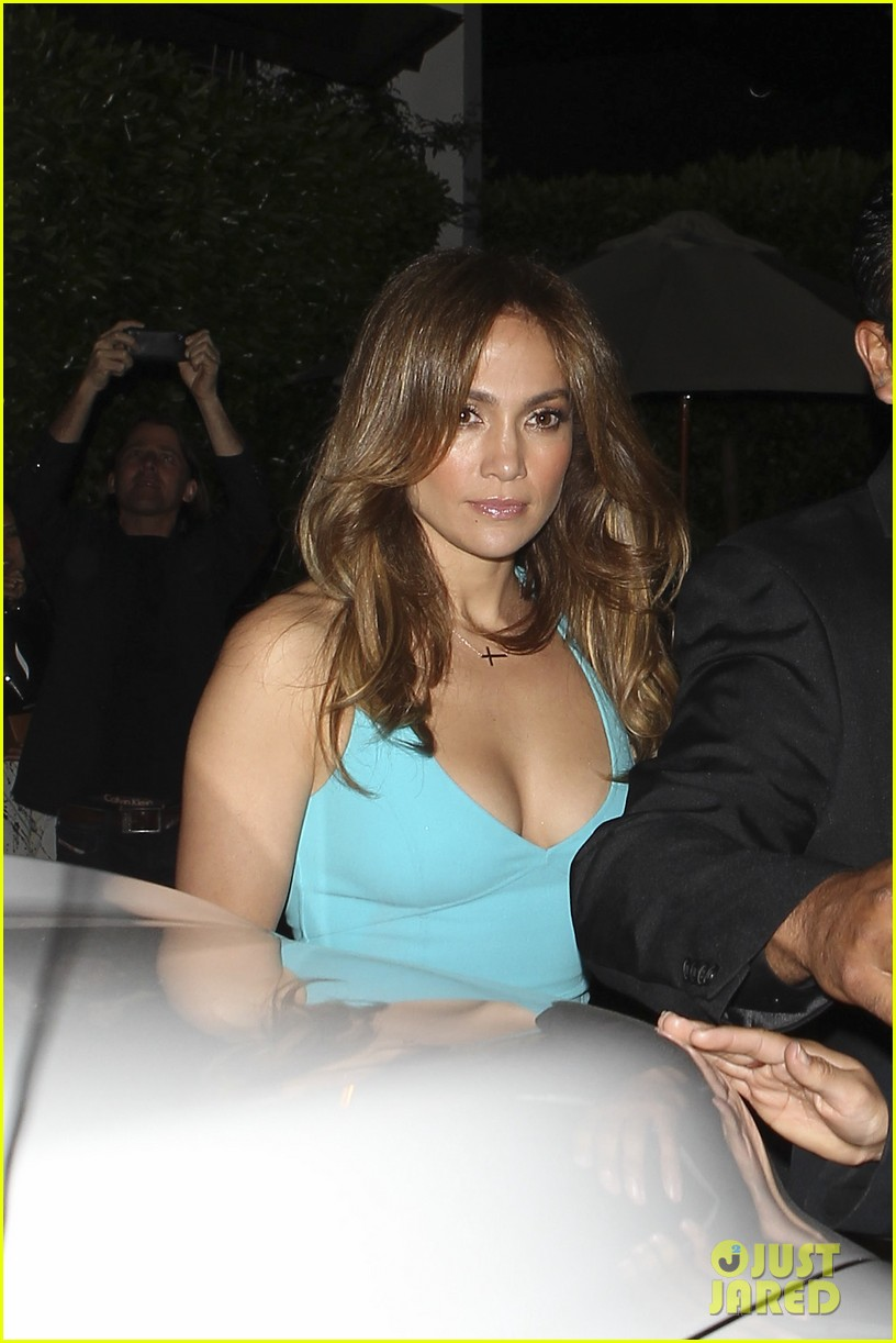 jennifer lopez casper smart birthday dinner 12