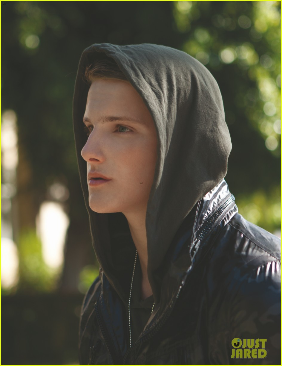 alexander ludwig da man april 05