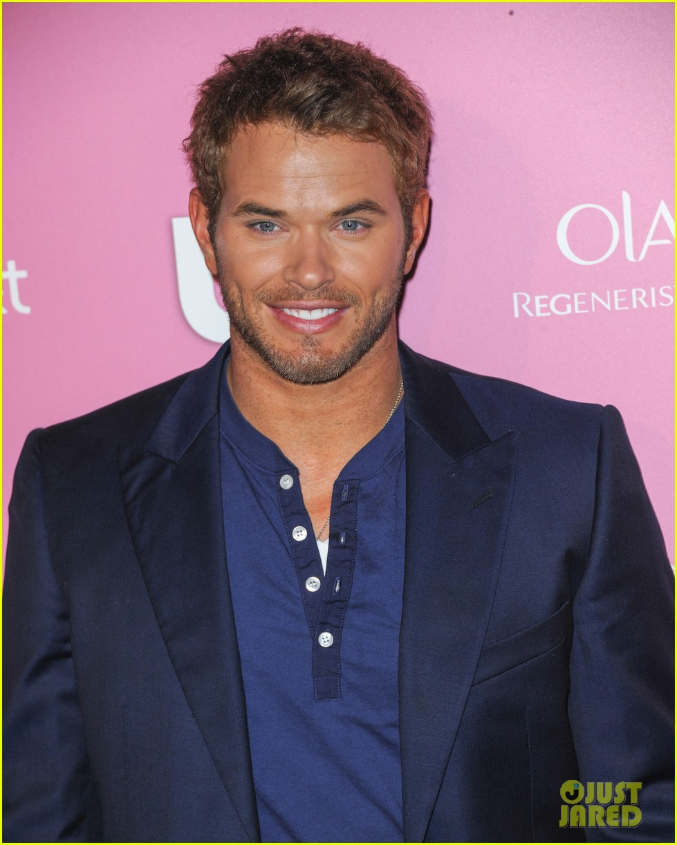 kim kardashian kellan lutz hot hollywood party 16