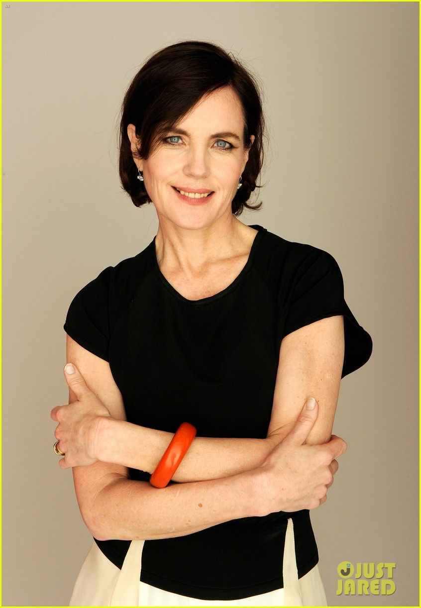 elizabeth mcgovern cheerful weather portrait 09