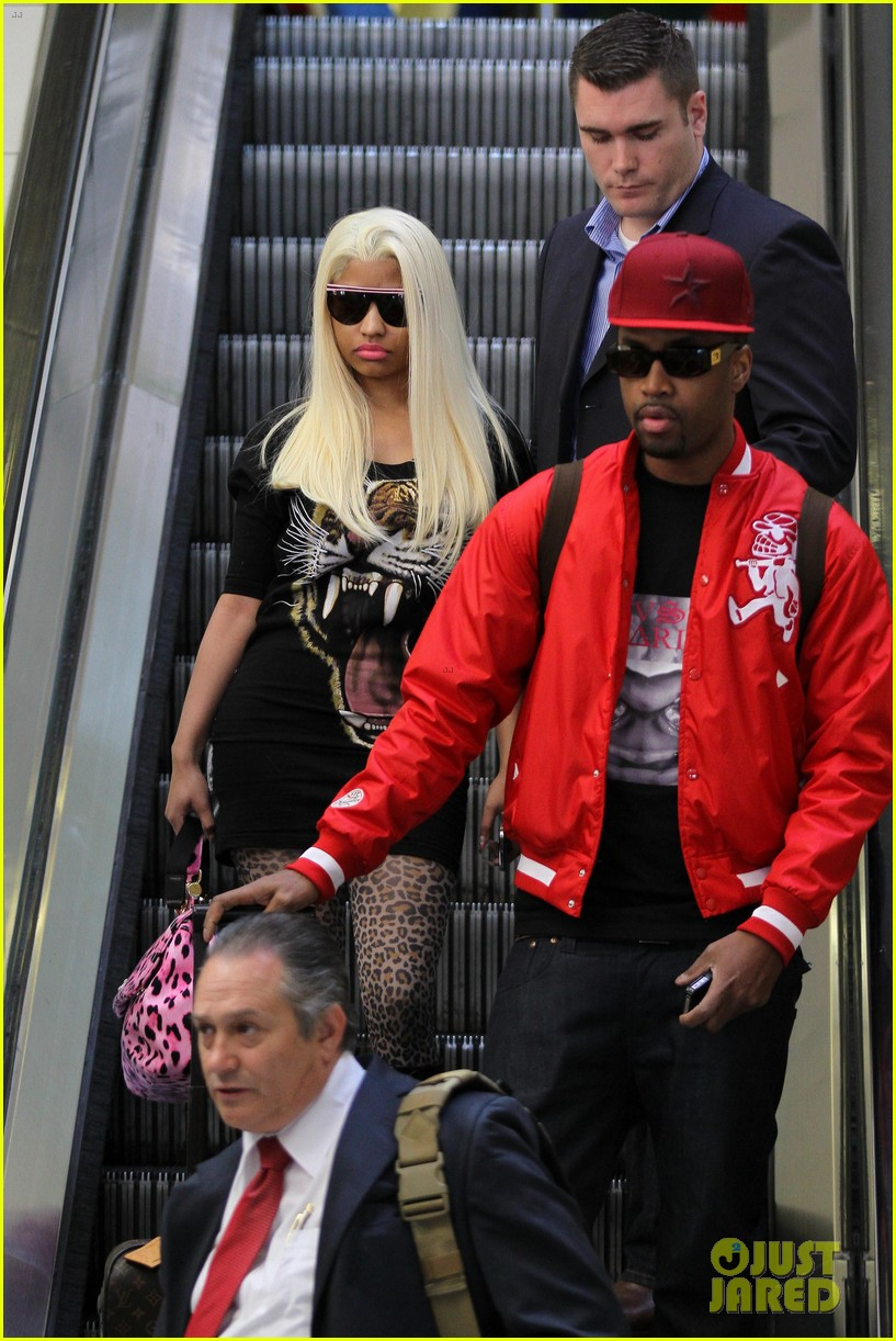 nicki minaj safaree samuels lax arrival 03