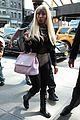 nicki minaj pink bag 01