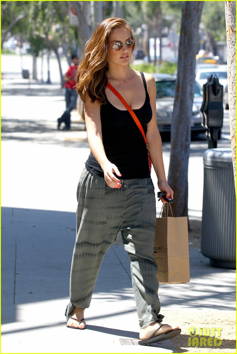 minka kelly pressed juicery 10