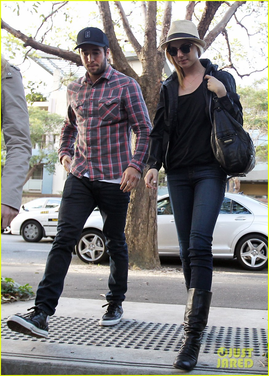 Emily VanCamp & Josh Bowman: Sydney Sweethearts!: Photo ...