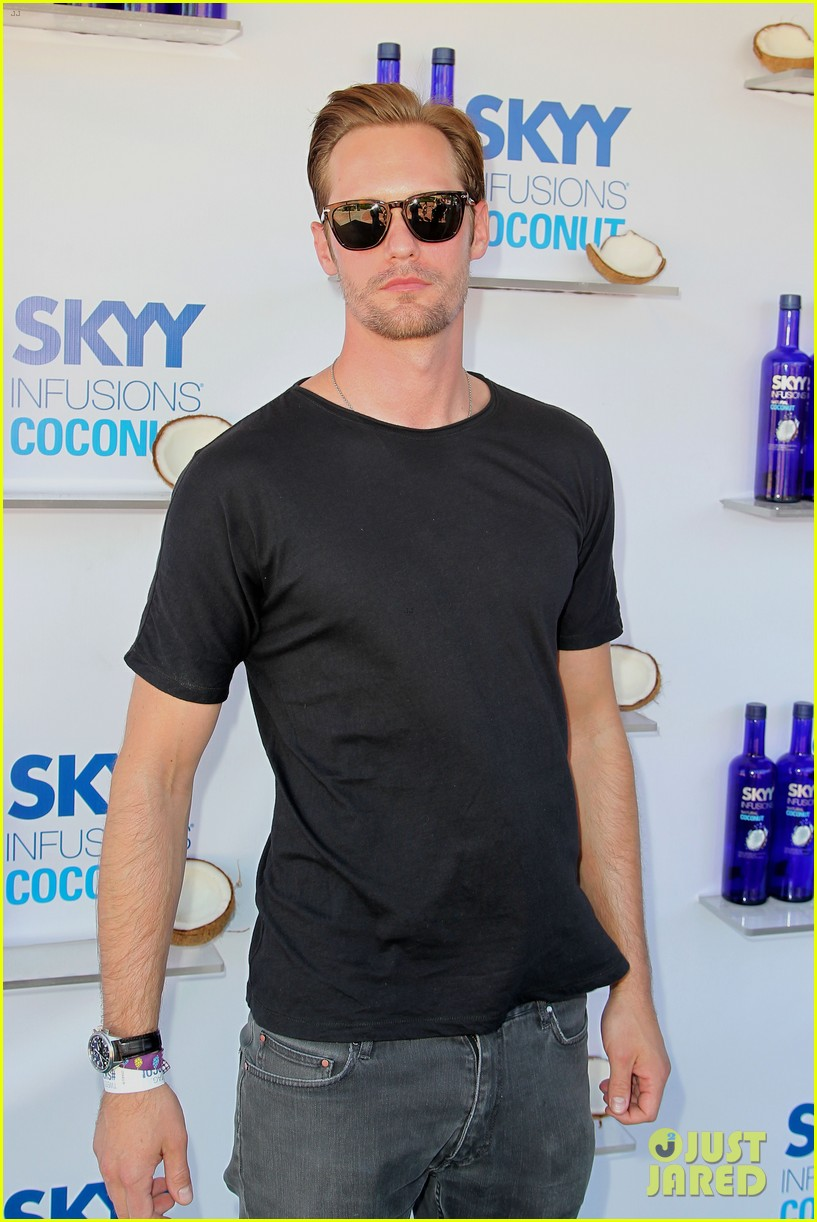 alexander skarsgard skyy escape at coachella 16