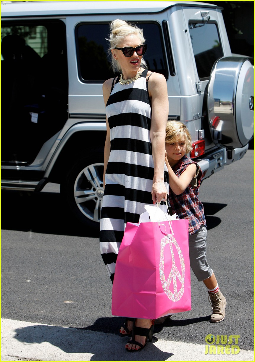 gwen stefani birthday party 11