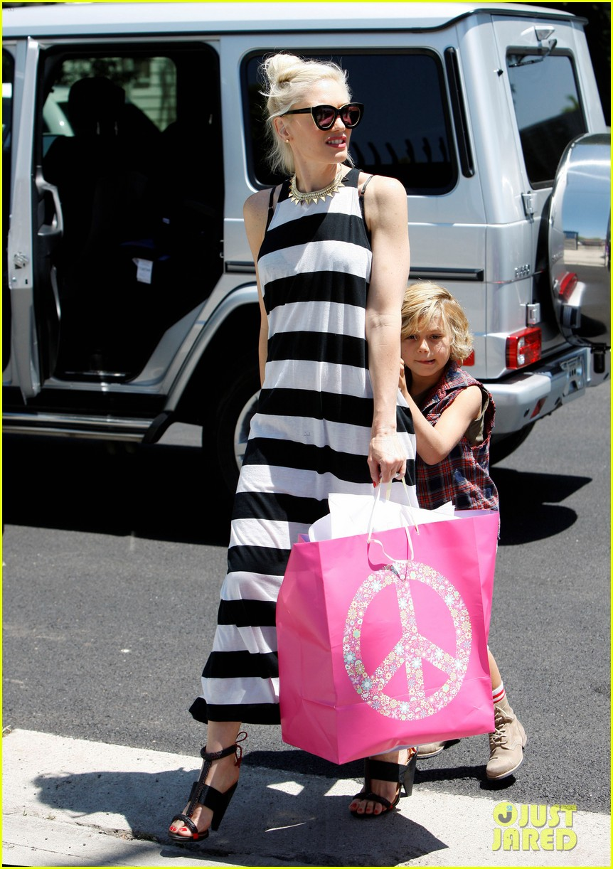 gwen stefani birthday party 12