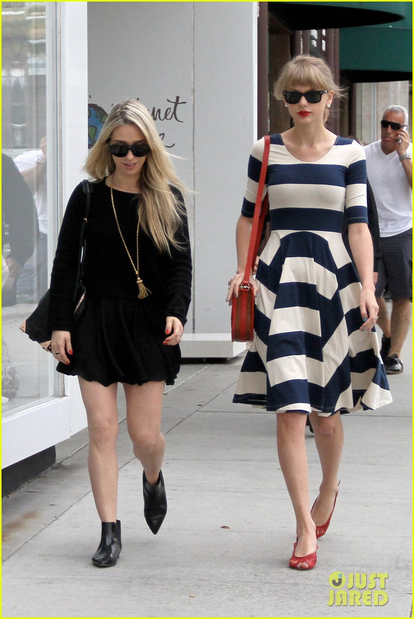 taylor swift shopping in bev hills 01