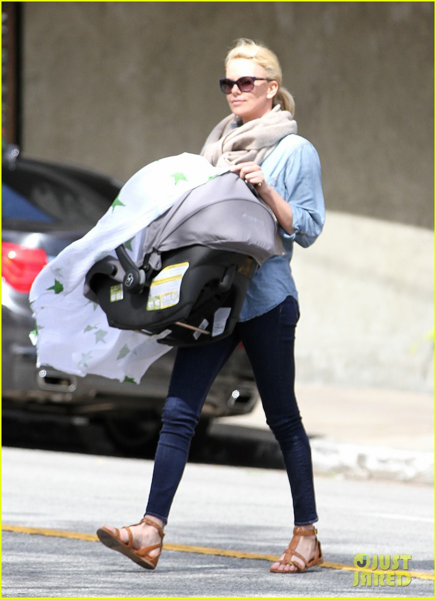 charlize theron little doms lunch with baby jackson 092649166