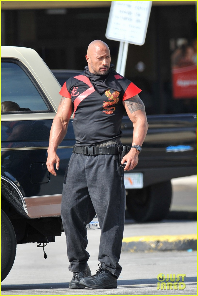 mark wahlberg pain and gain dwayne johnson 04