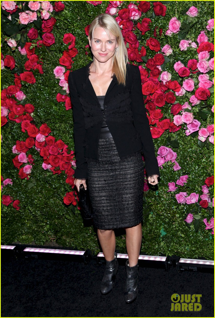 naomi watts liev schreiber chanel artist dinner at tribeca 04