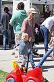 naomi watts farmers market 09