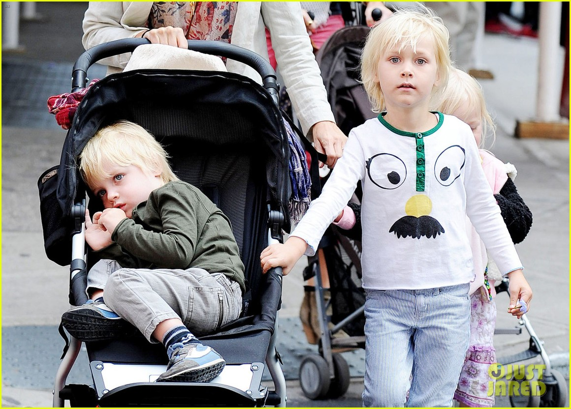 naomi watts kids nyc 04