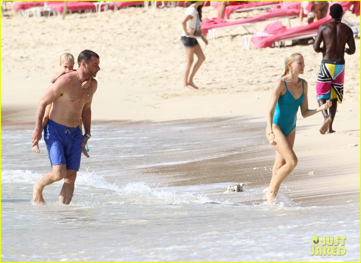 naomi watts liev schreiber st james lovers 07