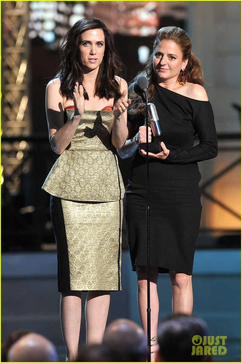 kristen wiig maya rudolph comedy awards winners 04