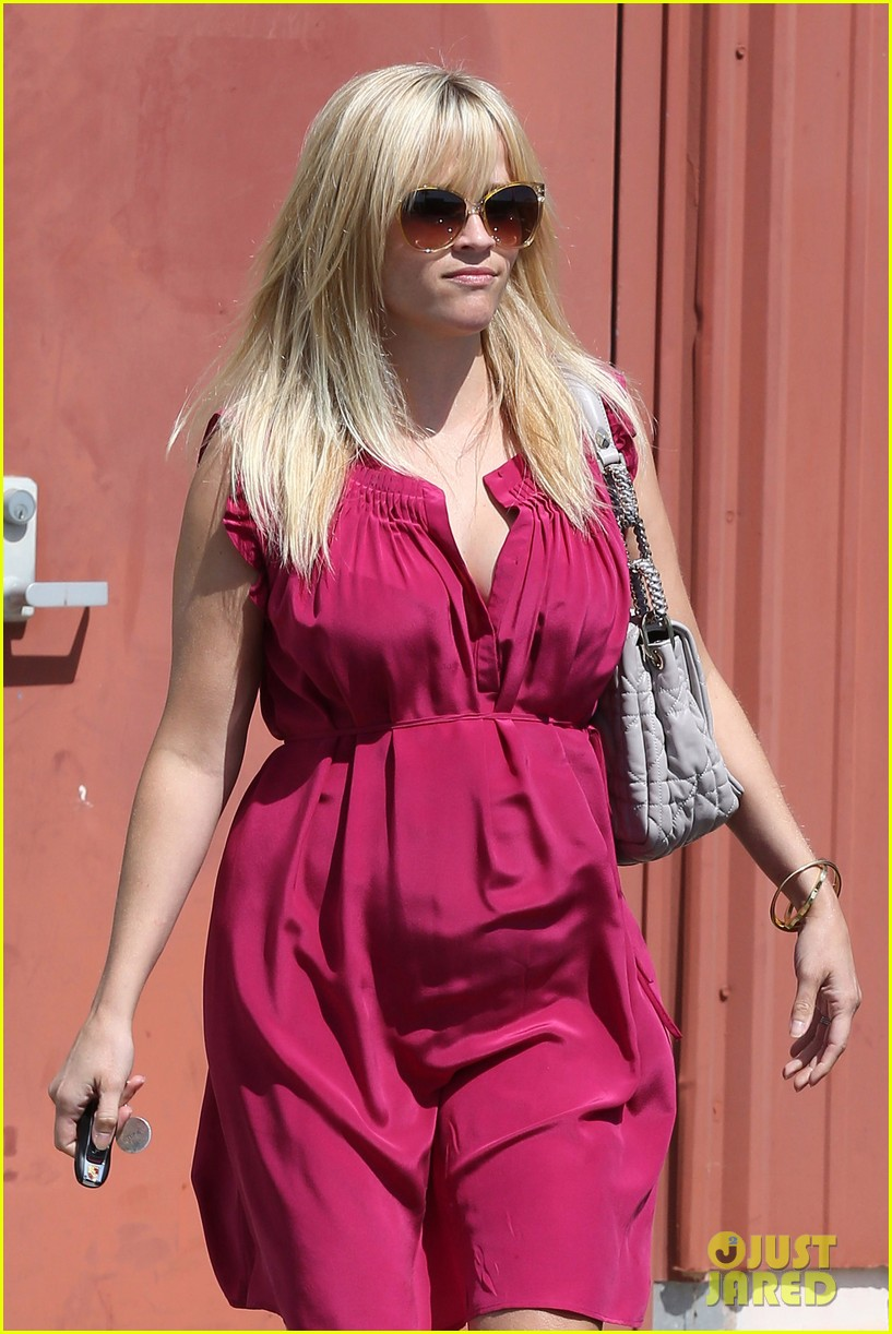 reese witherspoon easter church services 07