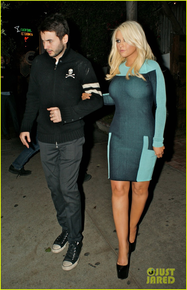 christina aguilera little door date 02