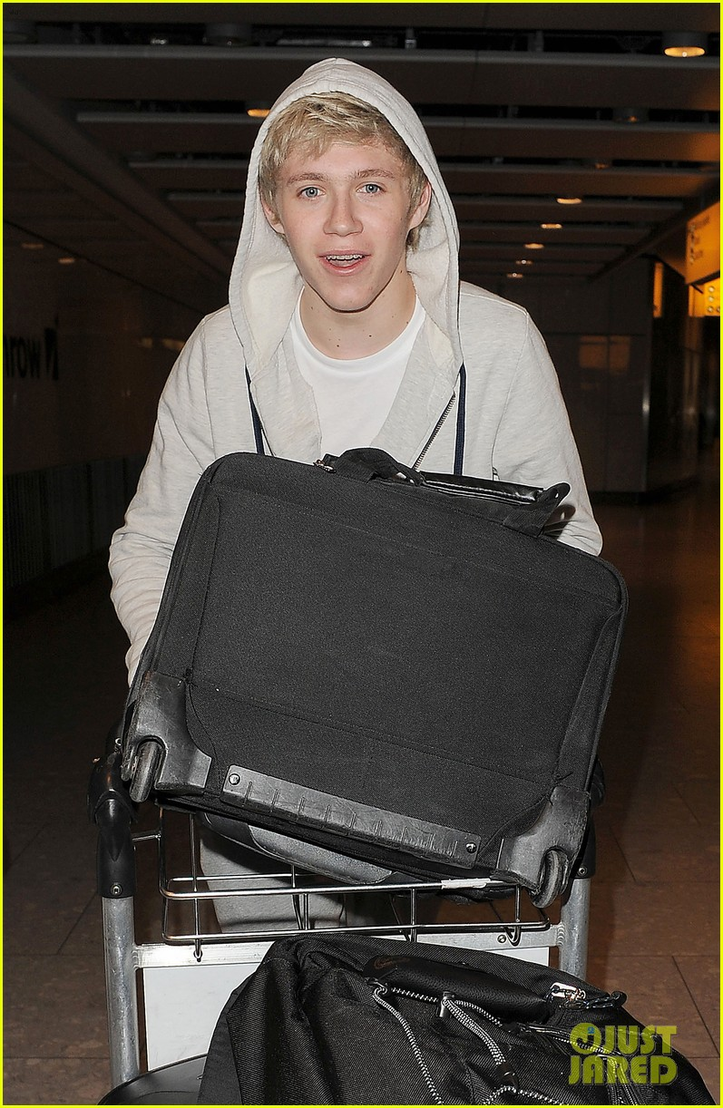 one direction heathrow 02