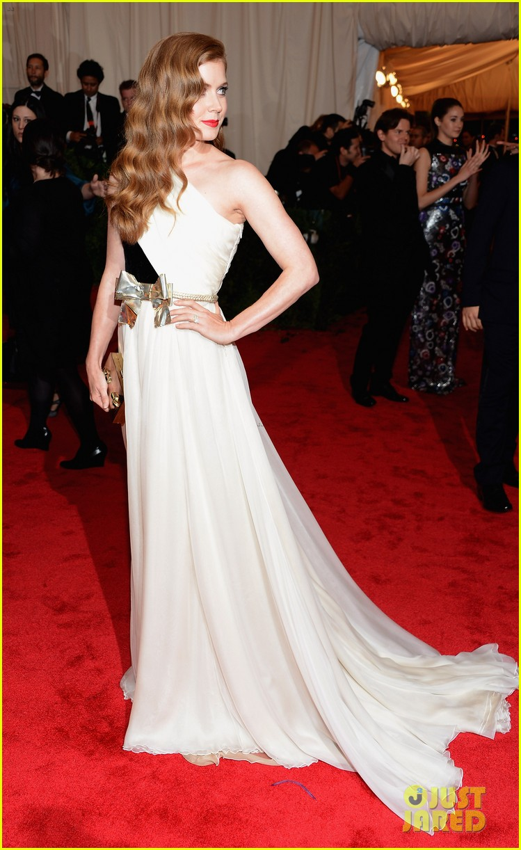 amy adams 2012 met ball 02