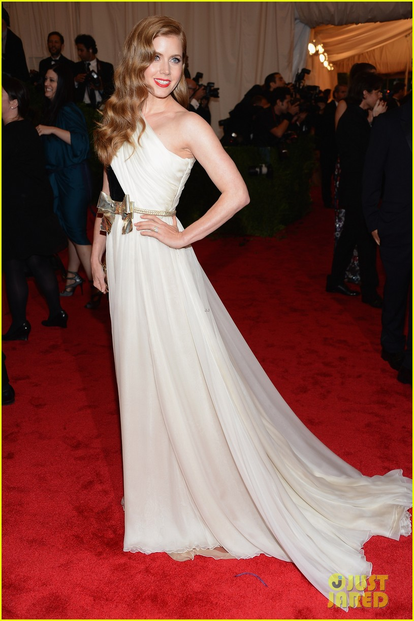 amy adams 2012 met ball 04