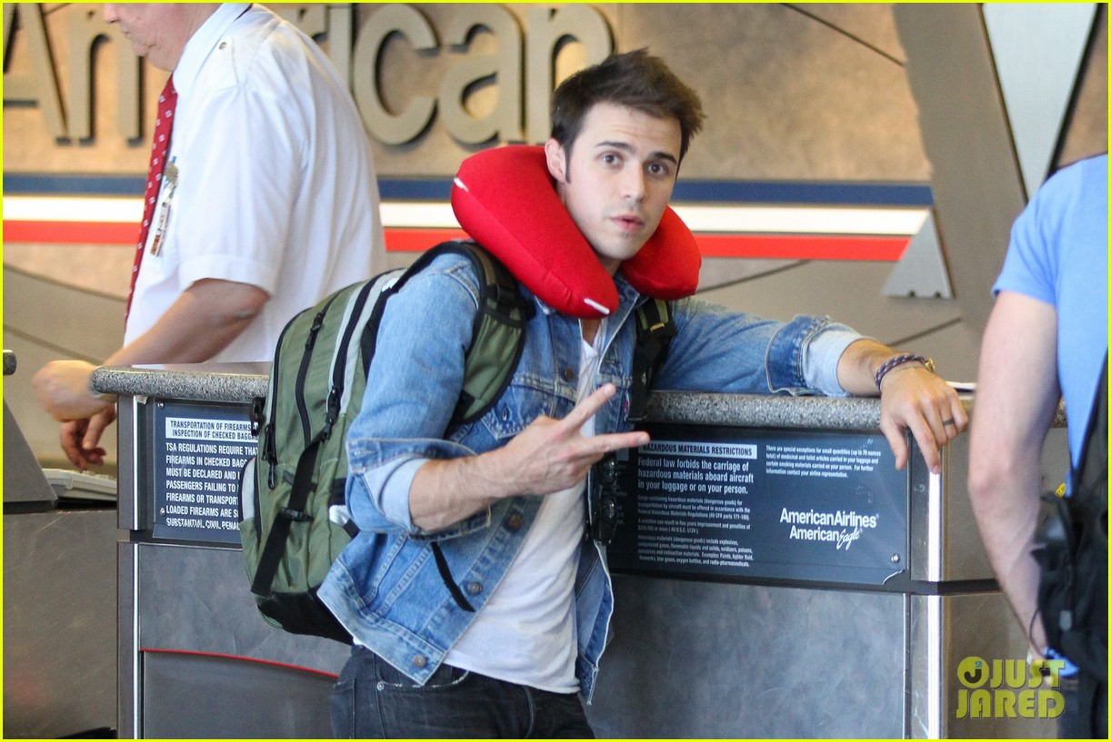 kris allen red neck pillow 02