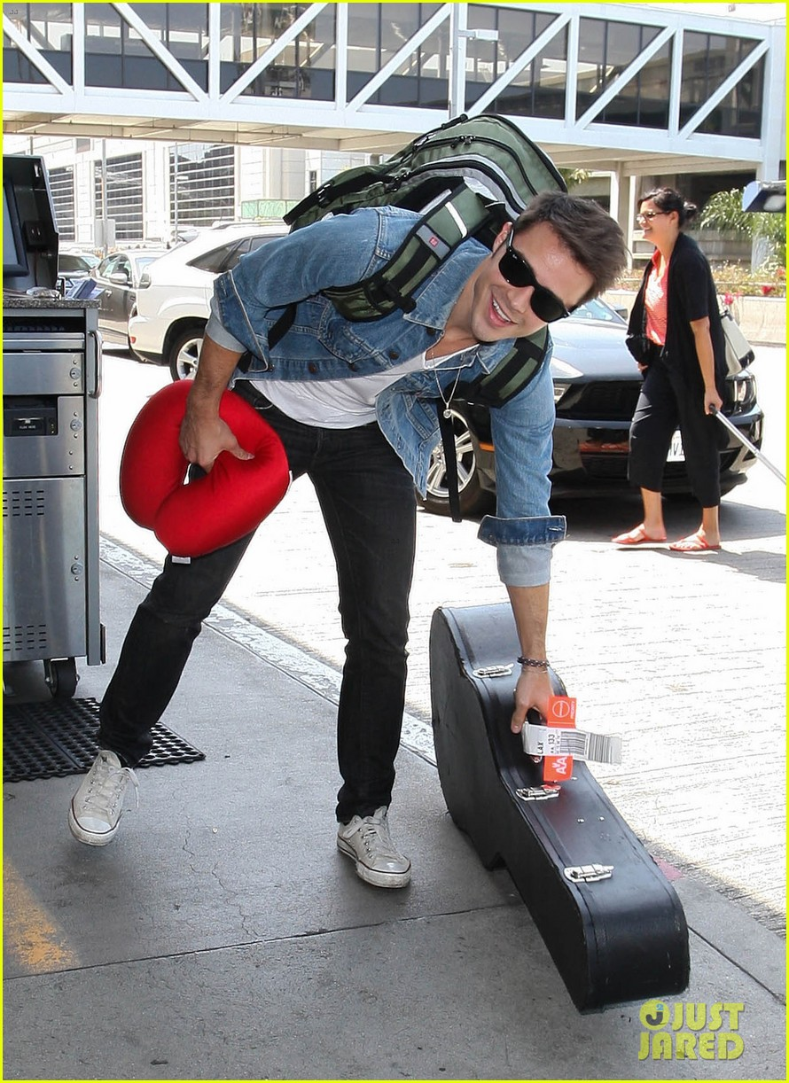 kris allen red neck pillow 09