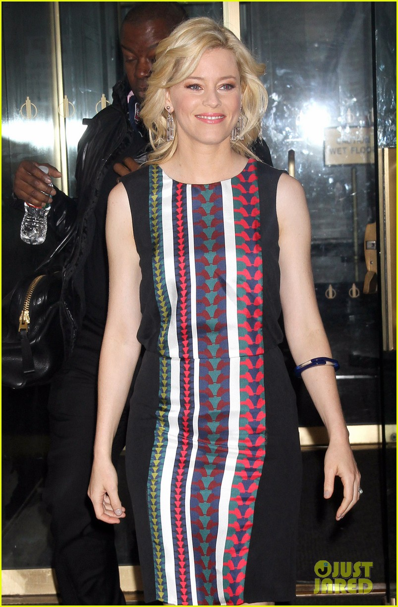 elizabeth banks late show appearance 03