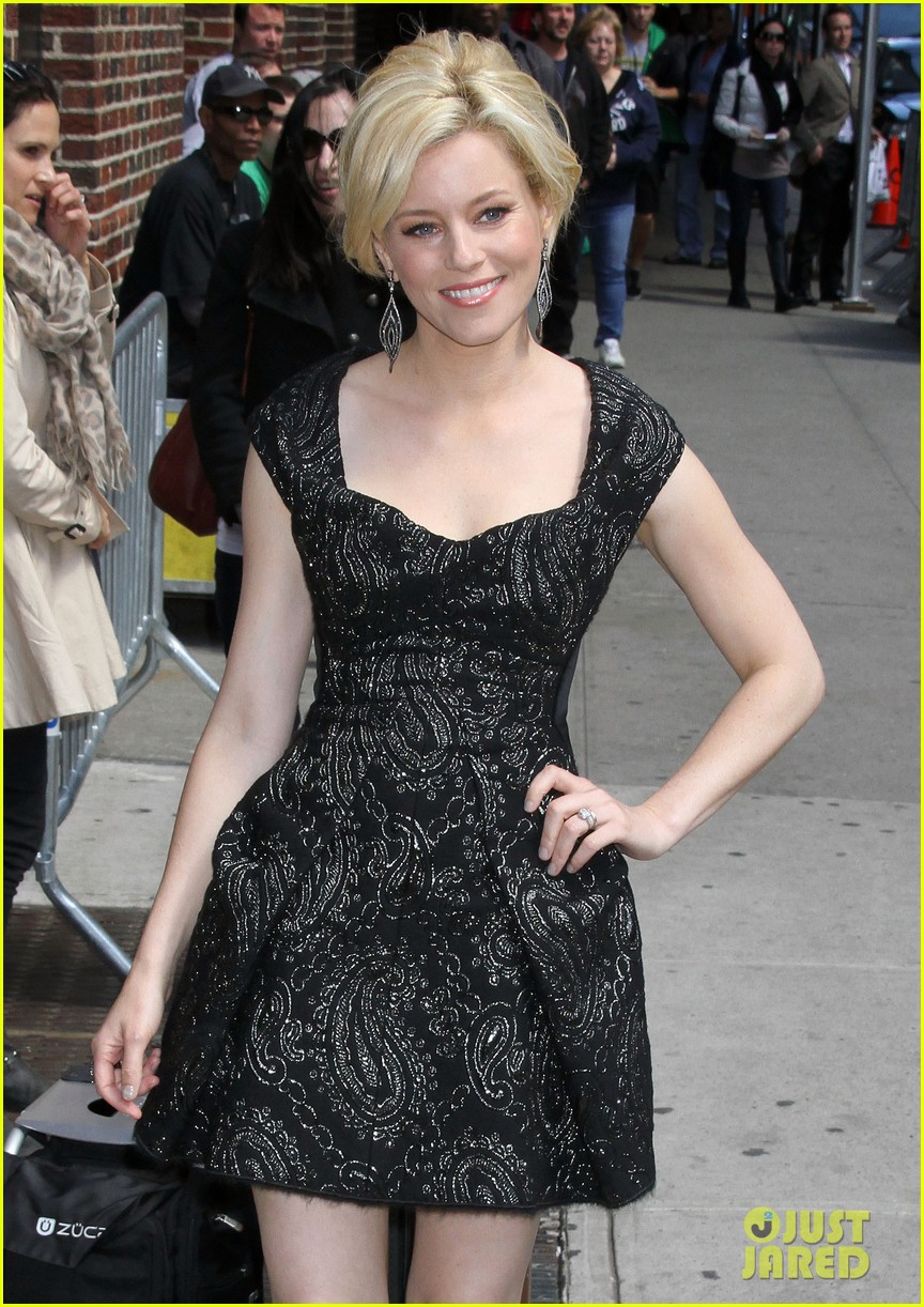 elizabeth banks late show appearance 102660456