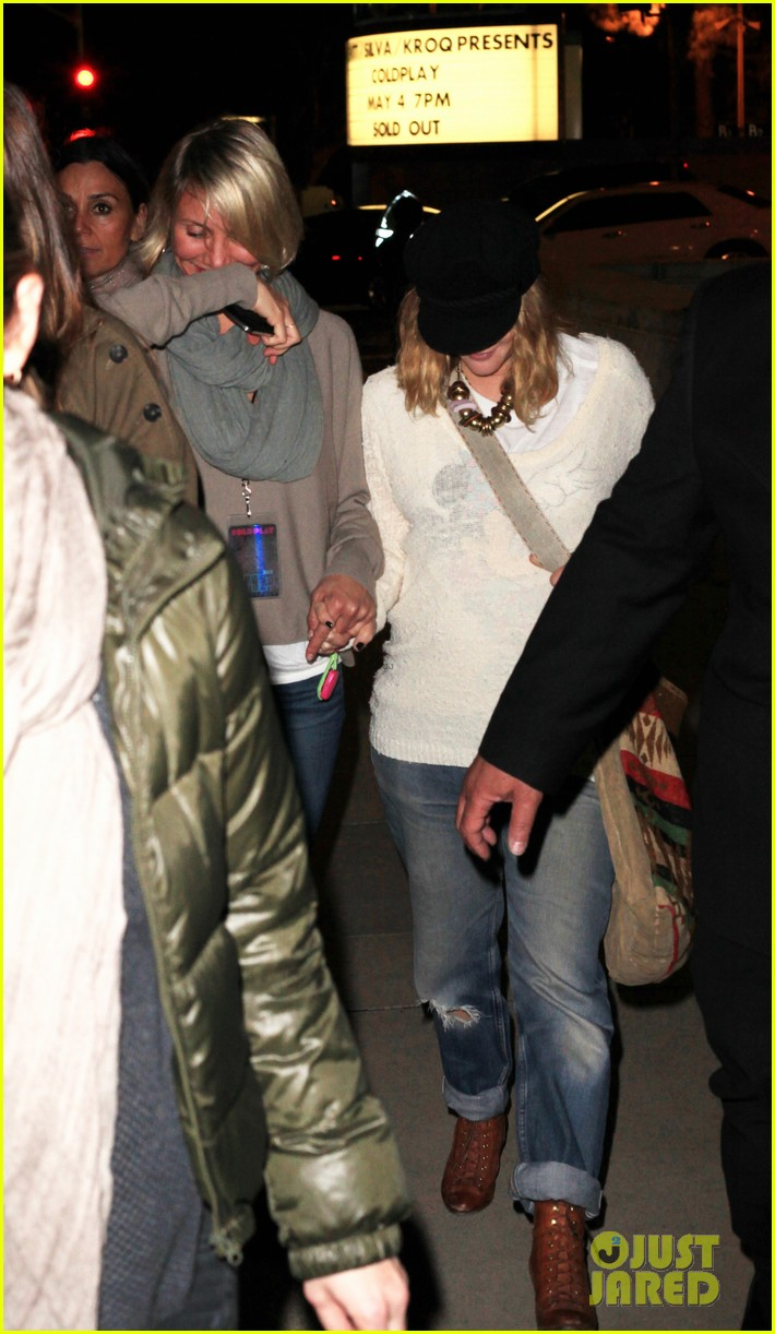 drew barrymore cameron diaz coldplay concert 042657657