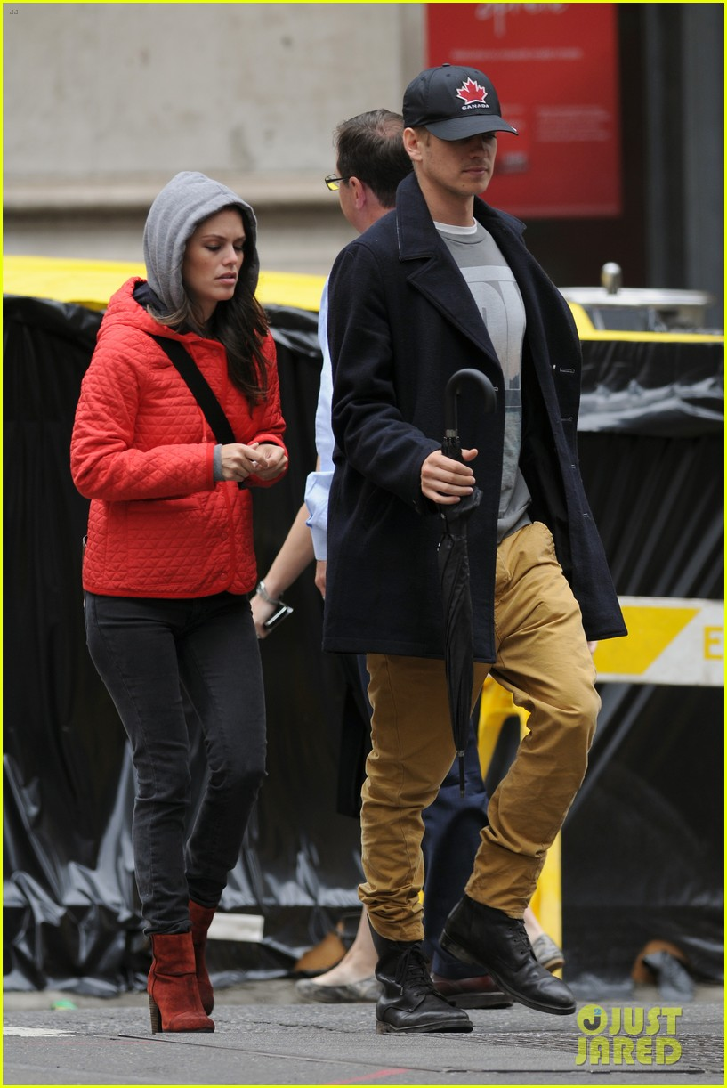 rachel bilson hayden christensen soho stroll 05