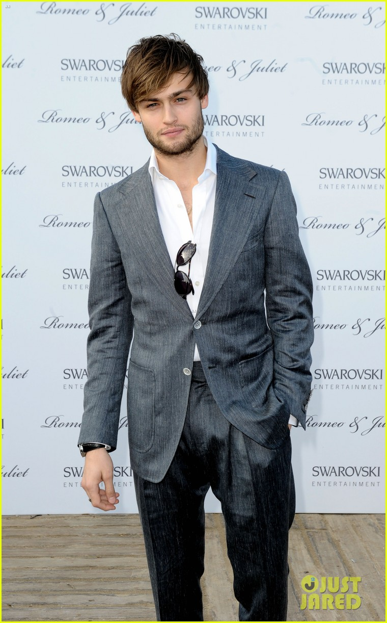 douglas booth ed westwick romeo juliet at cannes 01