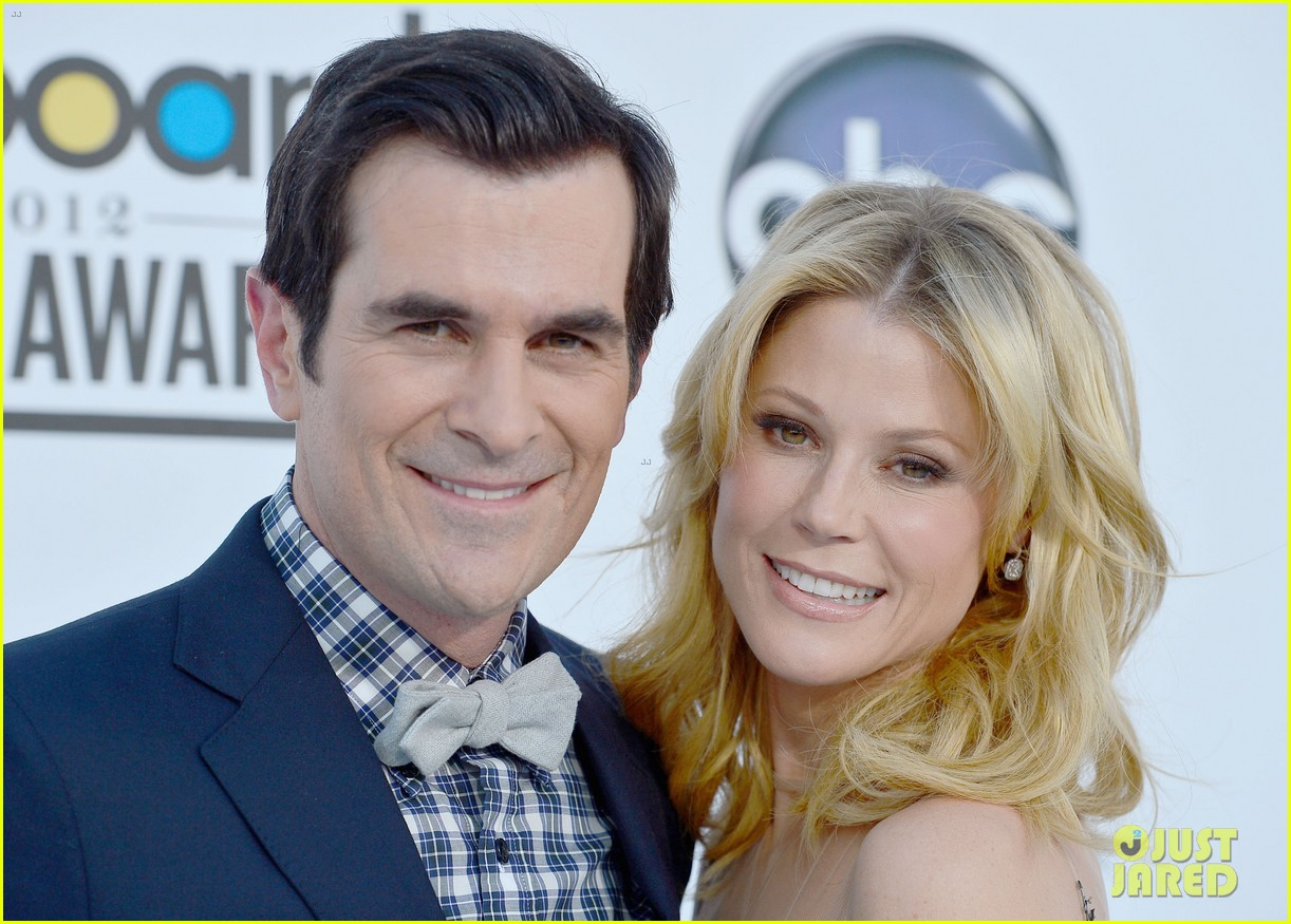 julie bowen billboard music awards 2012 05
